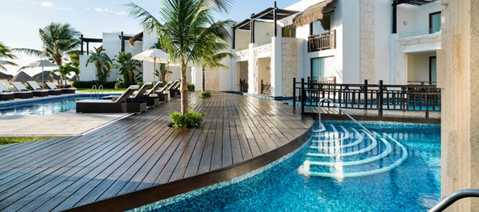 Azul Beach Accommodations - Honeymoon Swim Up Suites