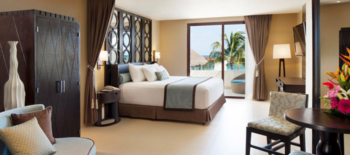 Azul Beach Accommodations - Royal Suites