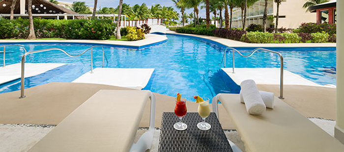 Azul Sensatori Mexico Accommodations - Jacuzzi Junior Swim Up Suites