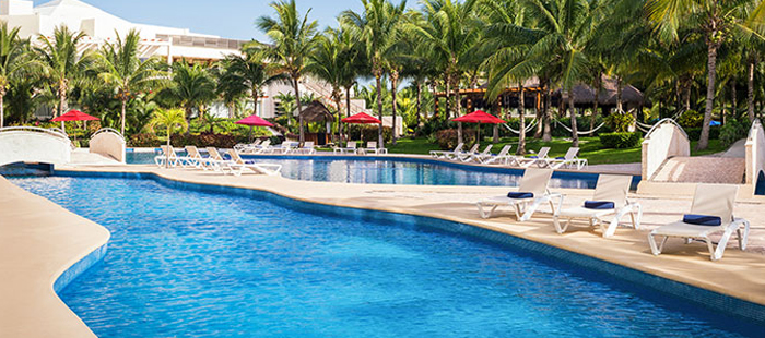 Azul Sensatori Mexico Accommodations - Luxury Jacuzzi Swim Up Suites
