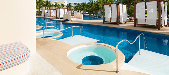Azul Sensatori Mexico Accommodations - Premium Jacuzzi Swim Up Suites