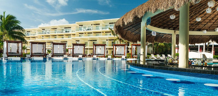 Azul Sensatori Mexico Dining - Wave Bar & Swim-Up