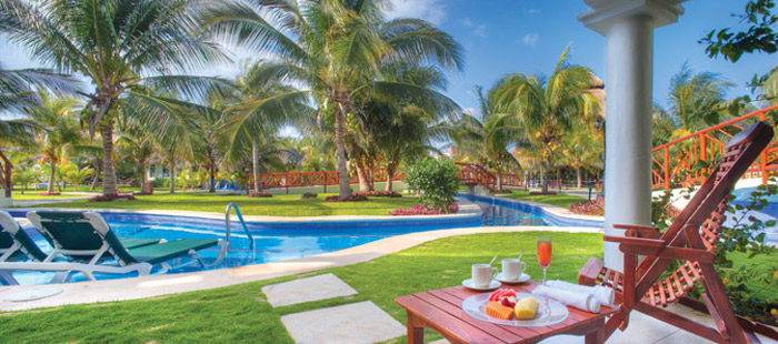 El Dorado Royale Accommodations - Swim Up Jacuzzi Jr. Suites