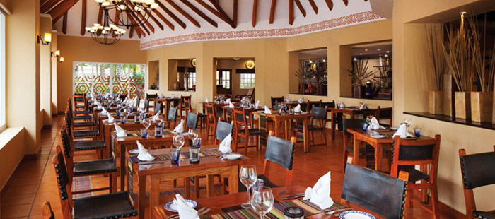 El Dorado Seaside Suites Dining - La Carreta